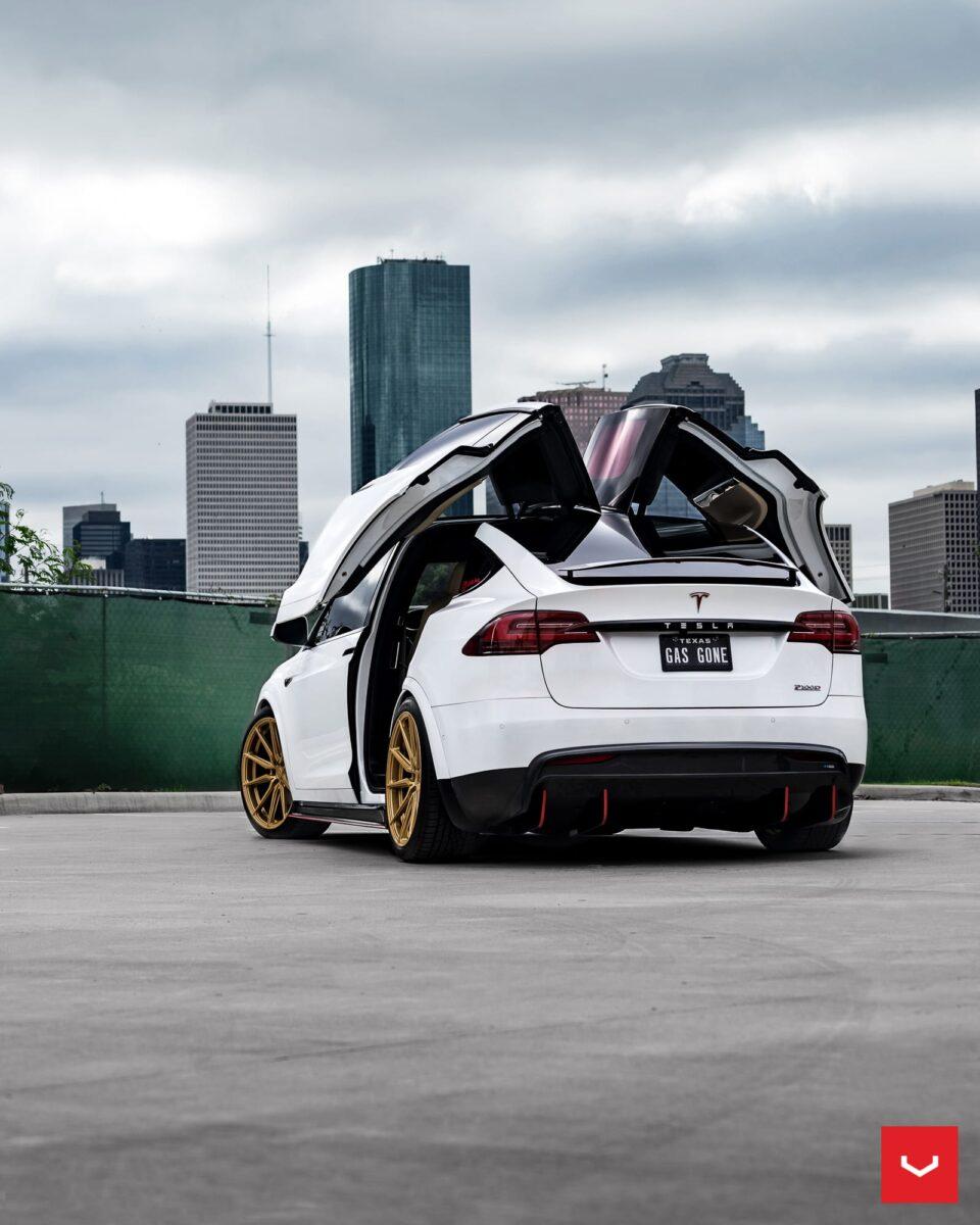 White Tesla Model X on Vossen Hybrid Forged HF-3 Wheels